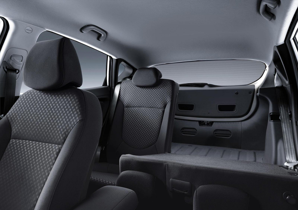 2014 hyundai accent sedan details and features. Black Bedroom Furniture Sets. Home Design Ideas