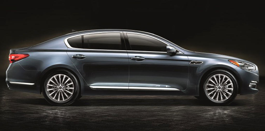2015 Kia K900 Sedan 2015 Kia K900 sedan features and photos