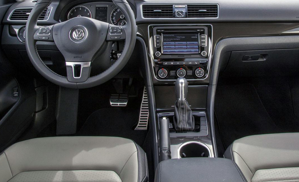 2014 Volkswagen Passat Sport Interior 1 2014 Volkswagen Passat Sport announced, to be priced at $27295