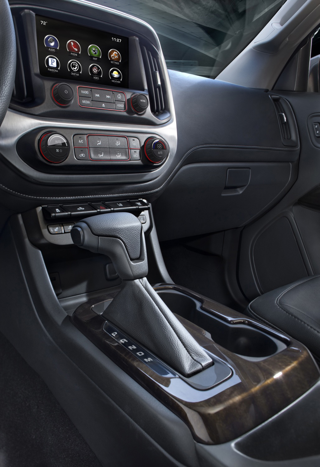 2015 GMC Canyon Interior 1 2015 GMC Canyon Unveiled!