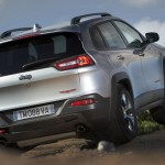 2015 Jeep Cherokee European Version (5)