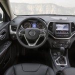 2015 Jeep Cherokee European Version Interior (1)