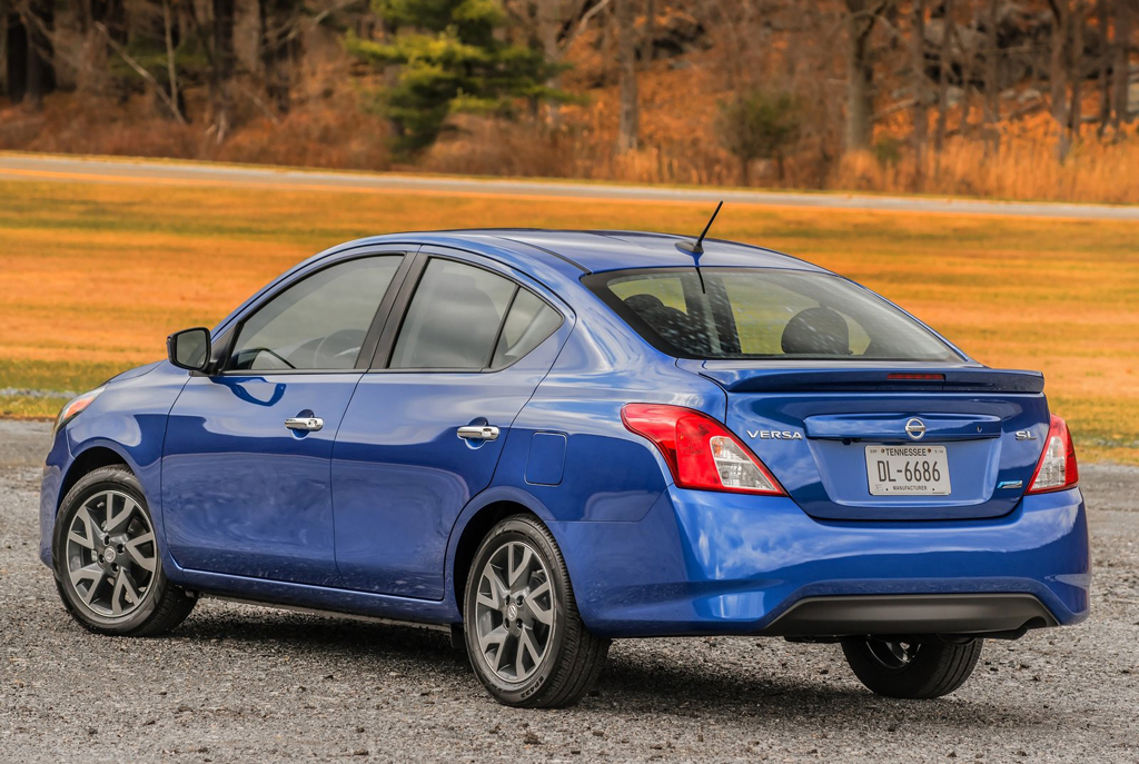 2015 Nissan Versa Sedan 5 2015 Nissan Versa Sedan features and photos