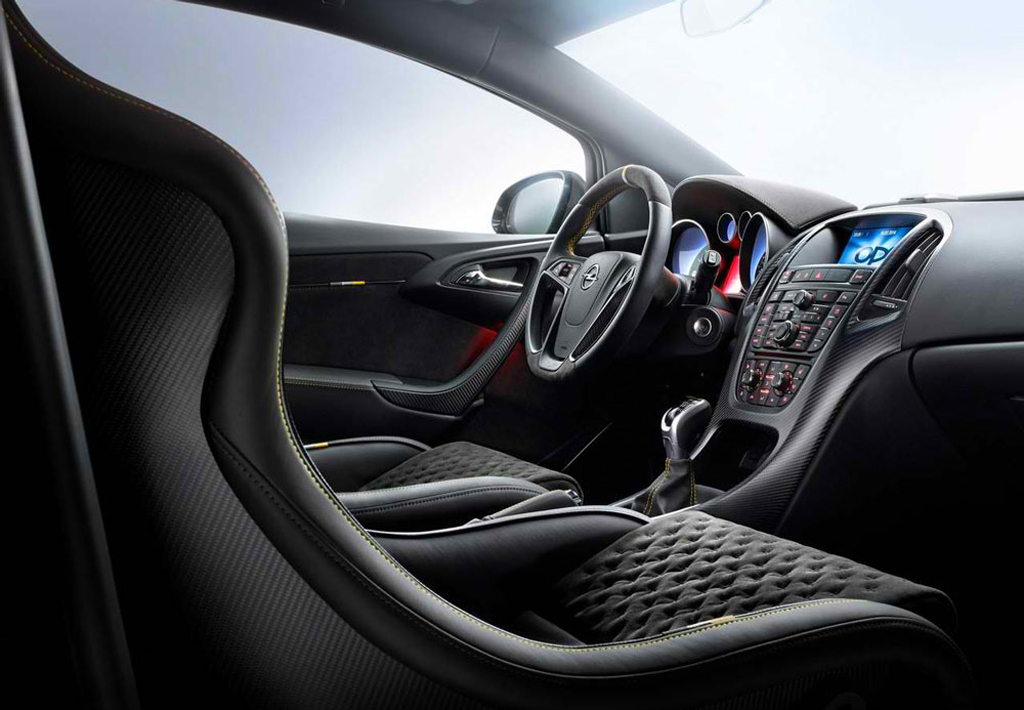 2015 Opel Astra OPC Extreme Interior 1 2015 Opel Astra OPC Extreme details