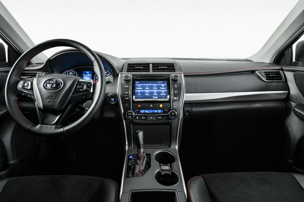 2015 Toyota Camry Interior 4 2015 Toyota Camry details and photos