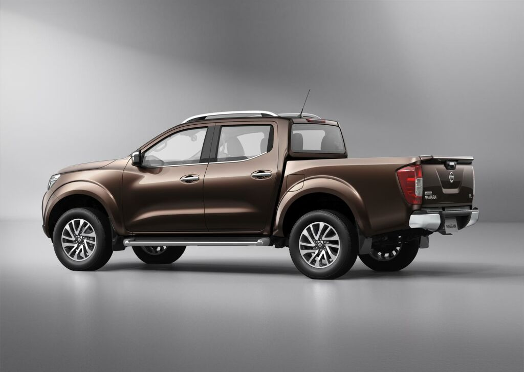 2015 nissan navara revealed details. Black Bedroom Furniture Sets. Home Design Ideas