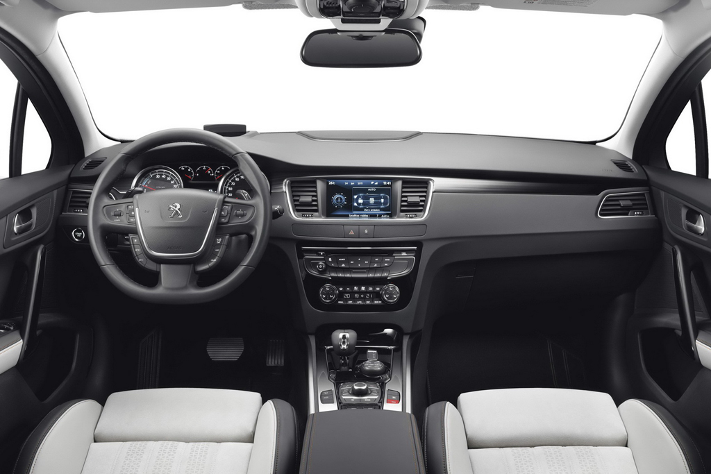 Peugeot reveals 2015 508 rxh for Interior 508 peugeot