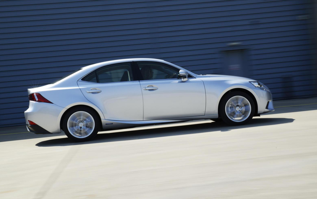 2014 Lexus IS 300h Executive Edition Lexus launches special edition of 2014 IS 300h for the UK