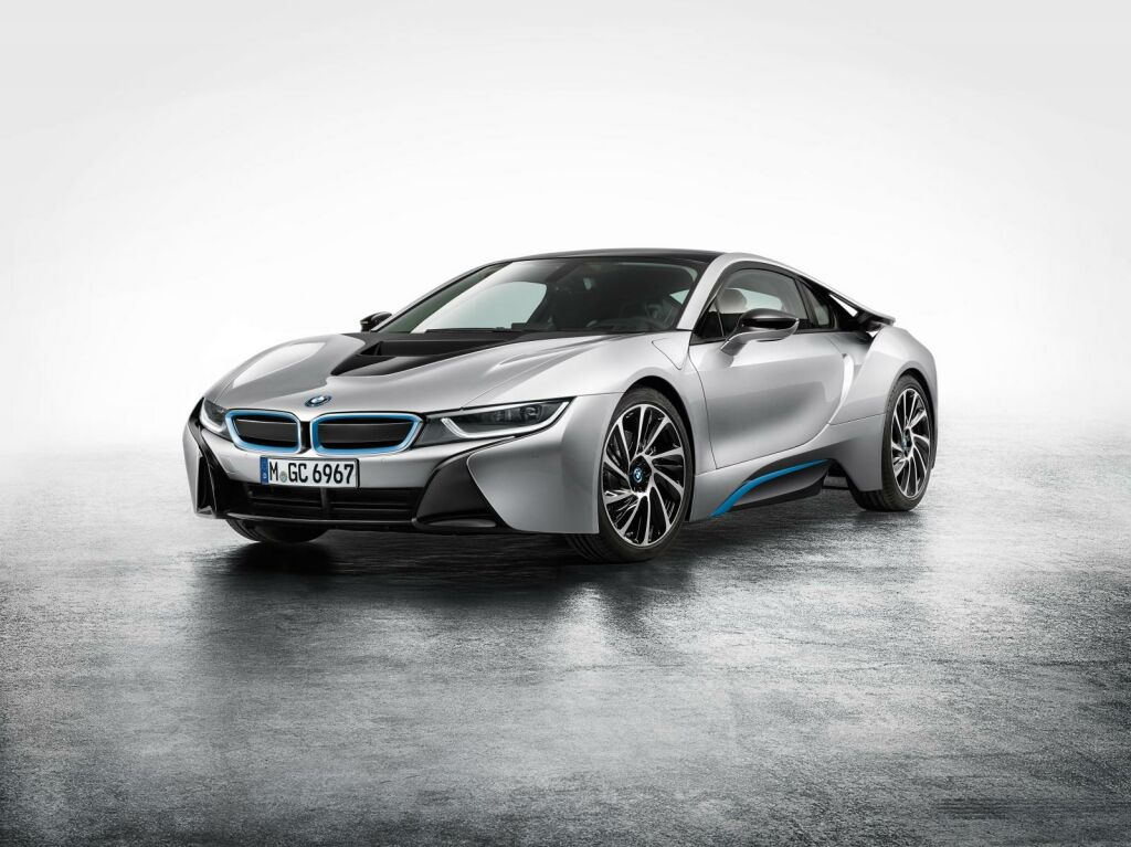 2015 BMW i8 1 2015 BMW i8 sports car out now