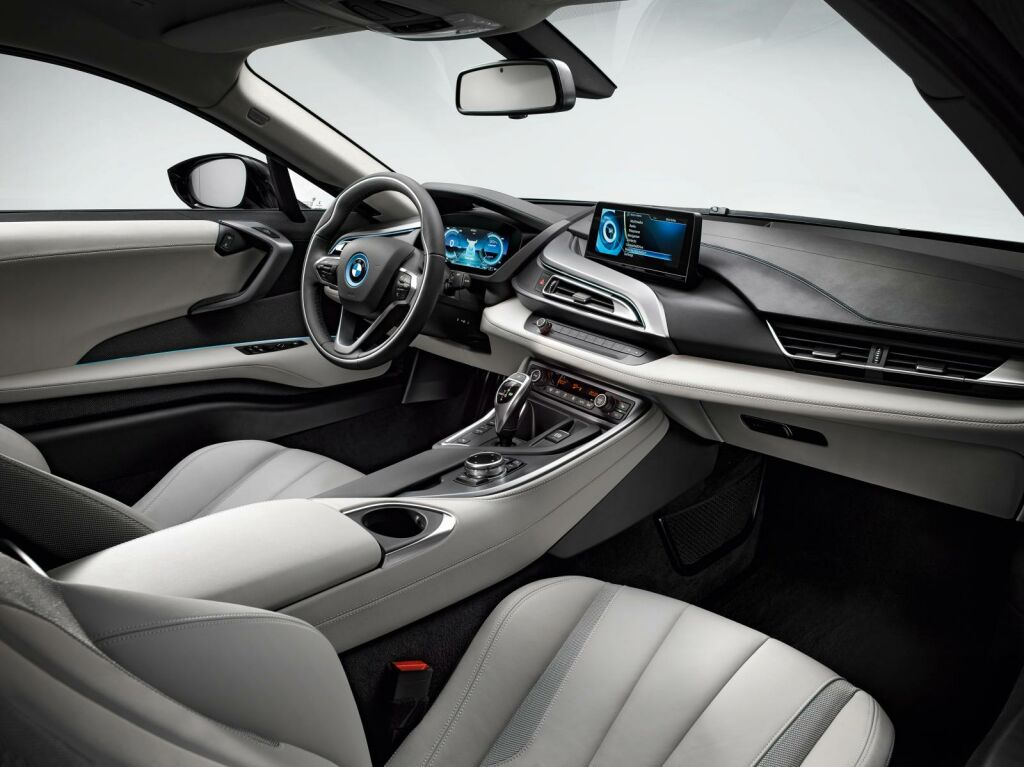 2015 BMW i8 Interior 2 2015 BMW i8 sports car out now