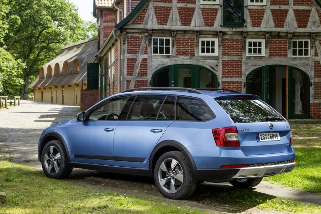 Skoda Octavia Scout 2 2014 Skoda Octavia Scout ready to hit the road