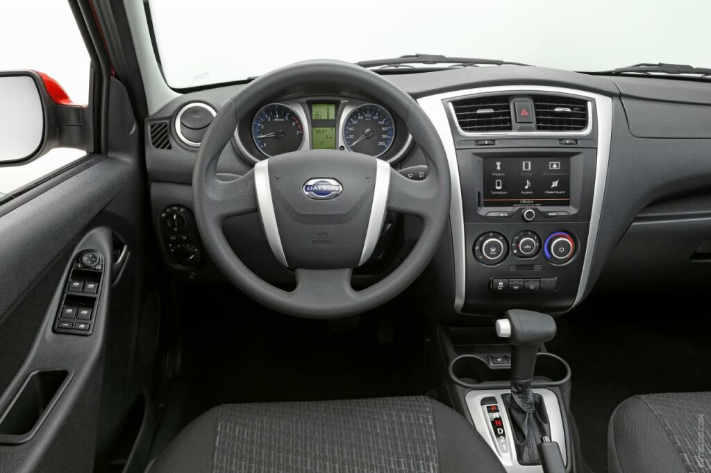 2015 Datsun mi DO Interior 4 2015 Datsun mi DO details