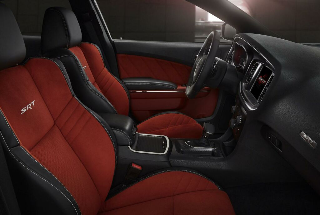2015 Dodge Charger SRT Hellcat Interior 1 Dodge unveils the mighty '2015 Charger SRT Hellcat'