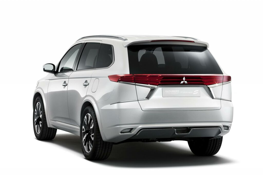 2015 Mitsubishi Outlander PHEV Concept S 2 Mitsubishi reveals new design package for 2015 Outlander PHEV