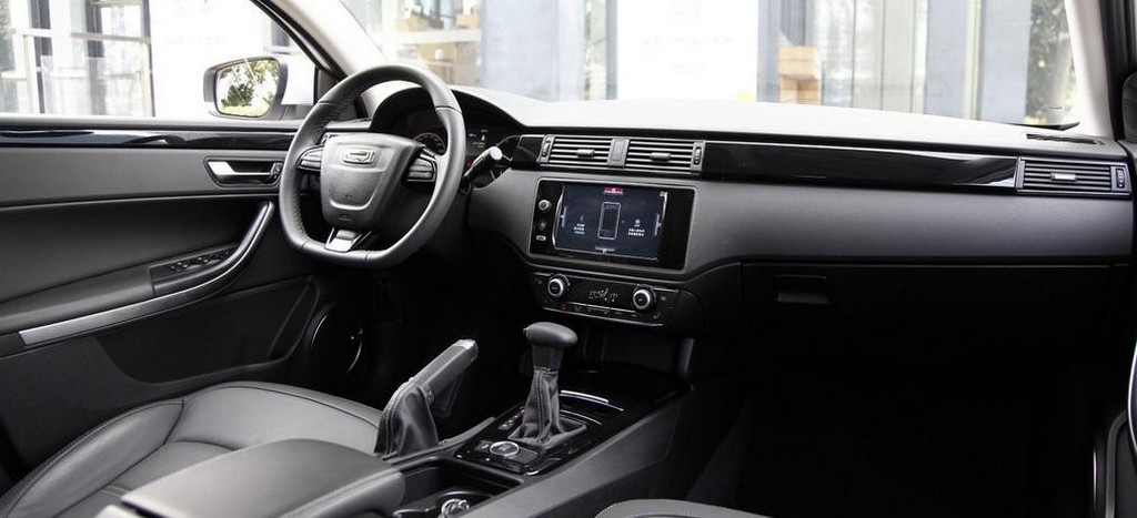 2015 Qoros 3 City SUV Interior 1 2015 Qoros 3 City SUV revealed, Details
