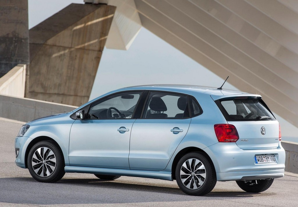 2015 Volkswagen Polo TSI BlueMotion 3 Volkswagen introduces fuel efficient 2015 Polo BlueMotion
