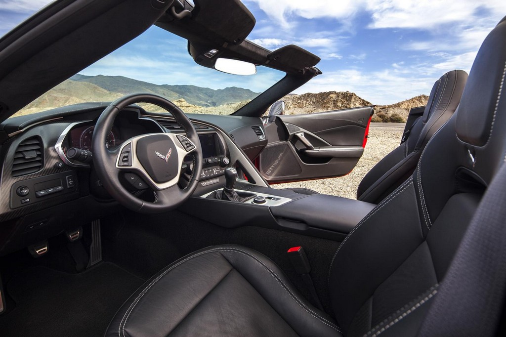 2015 Chevrolet Corvette Stingray EU Version Interior 2015 Chevrolet Corvette Stingray EU Version features and details