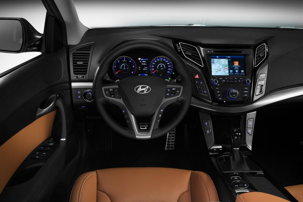 2015 Hyundai i40 Facelift Interior 2015 Hyundai i40 Facelift Unveiled for European Market