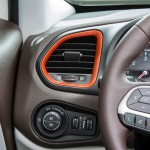2015 Jeep Renegade Interior (1)