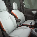 2015 Jeep Renegade Interior (5)