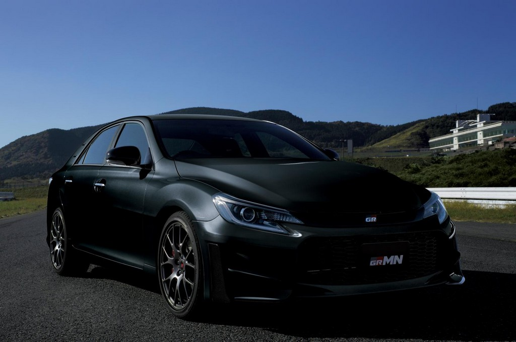 2015 Toyota Mark X GRMN 1 Toyota revealed it limited edition   MARK X GRMN 2015