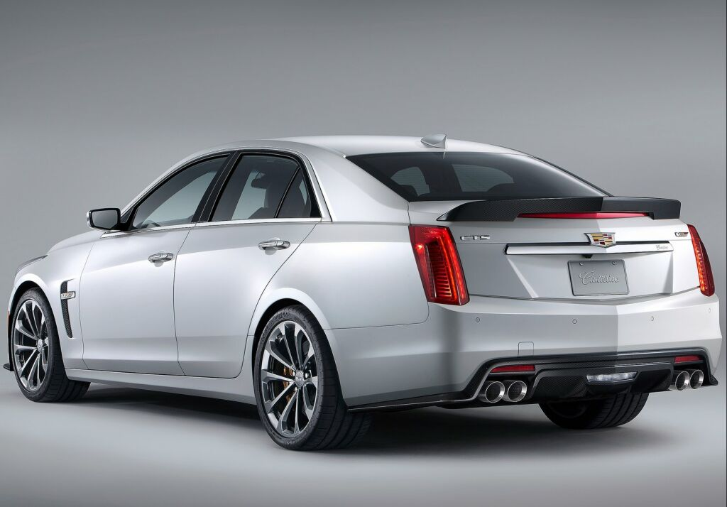 2016 Cadillac CTS V 3 2016 Cadillac CTS V: Features and details