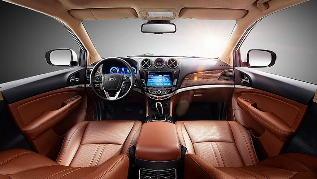 2015 BYD Tang Hybrid SUV Interior 1 Chinese 2015 BYD Tang Hybrid SUV details