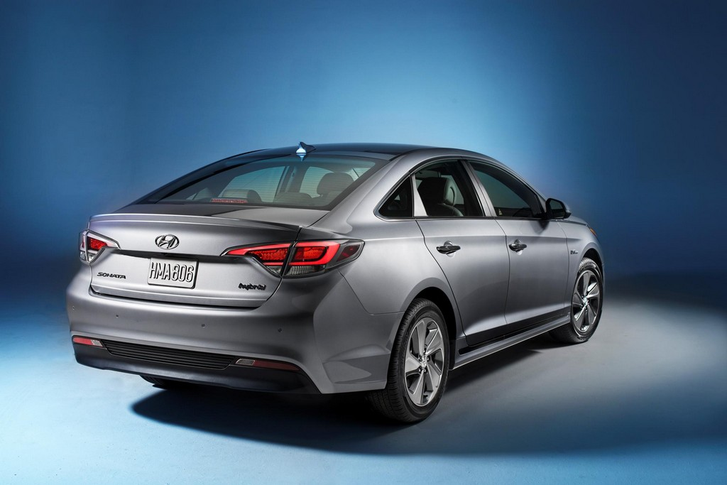 2016 Hyundai Sonata Plug in Hybrid 3 2016 Hyundai Sonata Plug in Hybrid features and photos
