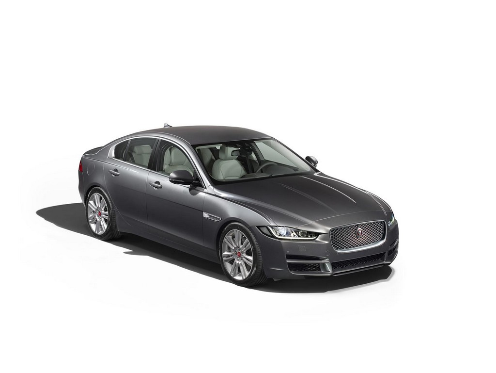 2016 Jaguar XE 2 2016 Jaguar XE Revealed In America : details