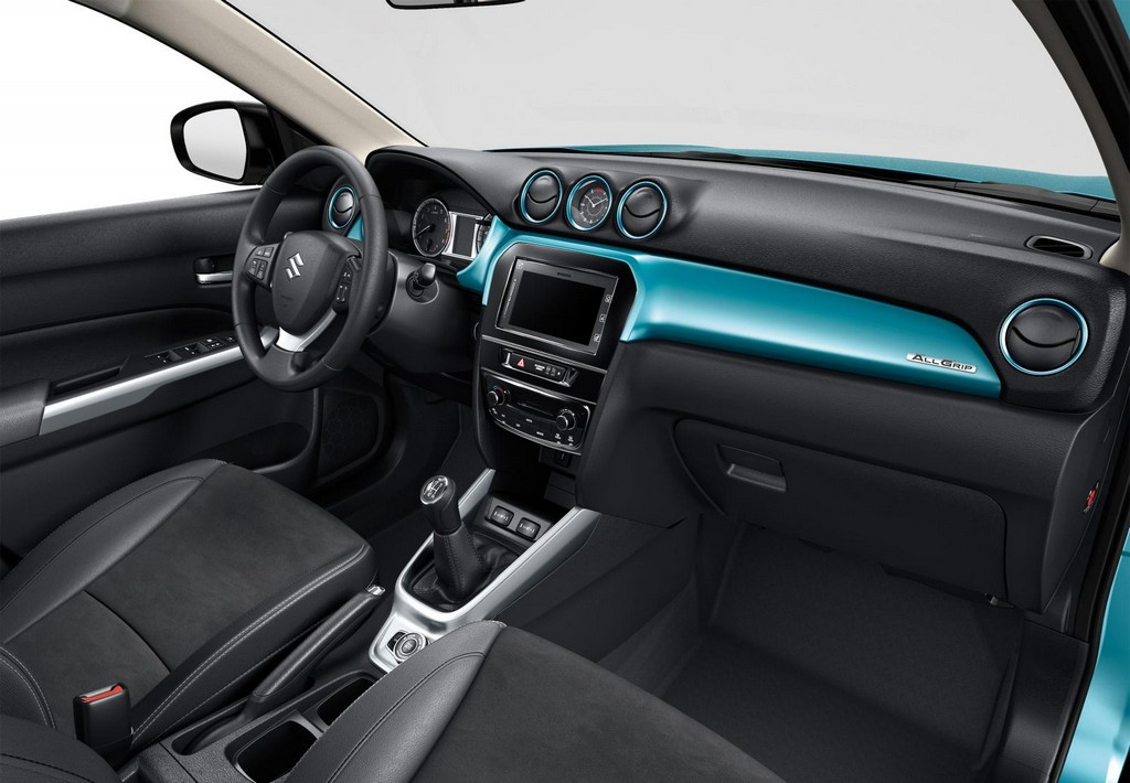 2015 Suzuki Vitara Interior 2 2015 Suzuki Vitara   Compact SUV in UK features and details