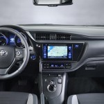 2015 Toyota Auris facelift Interior