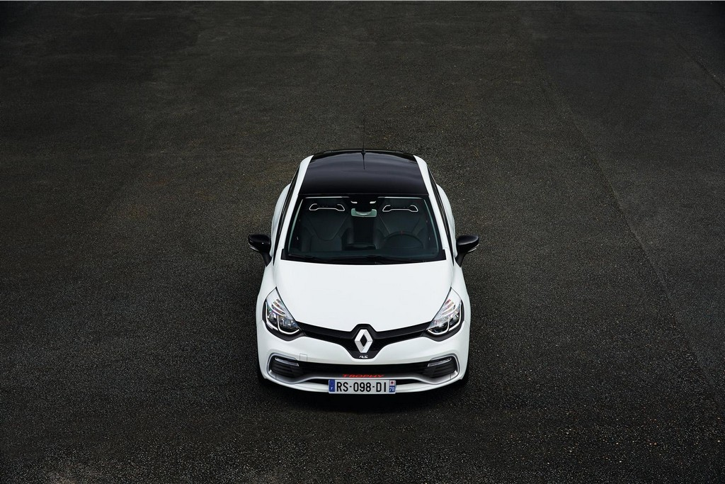 1 1 2016 Renault Clio RS 220 Trophy EDC features