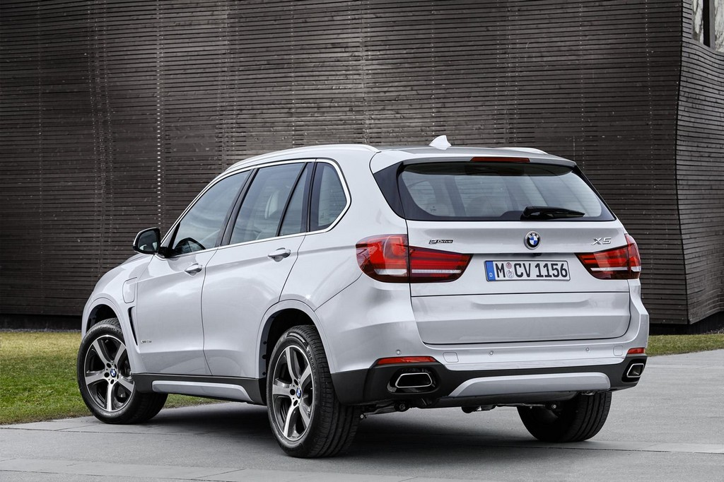 2016 BMW X5 xDrive40e 3 2016 BMW X5 xDrive40e features and details