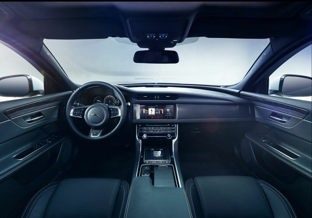 2016 Jaguar XF Interior 1 2016 Jaguar XF Features and specs