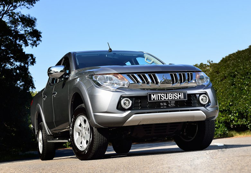 2016 mitsubishi l200 features and details. Black Bedroom Furniture Sets. Home Design Ideas