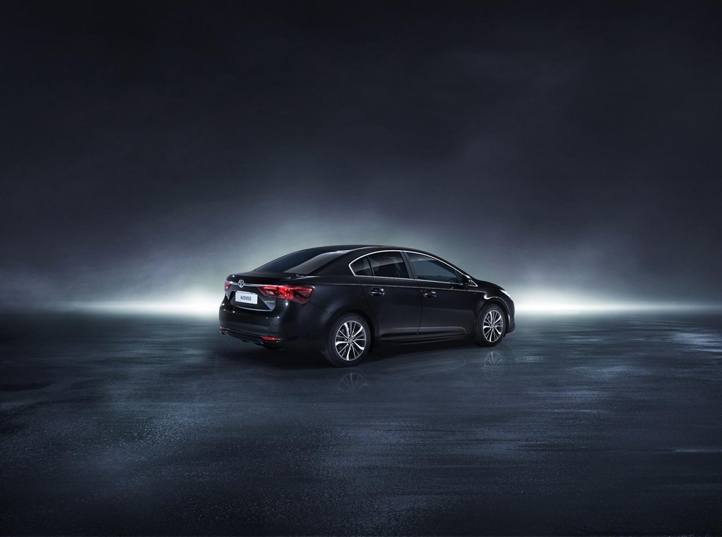 2016 Toyota Avensis Features And Details Machinespider