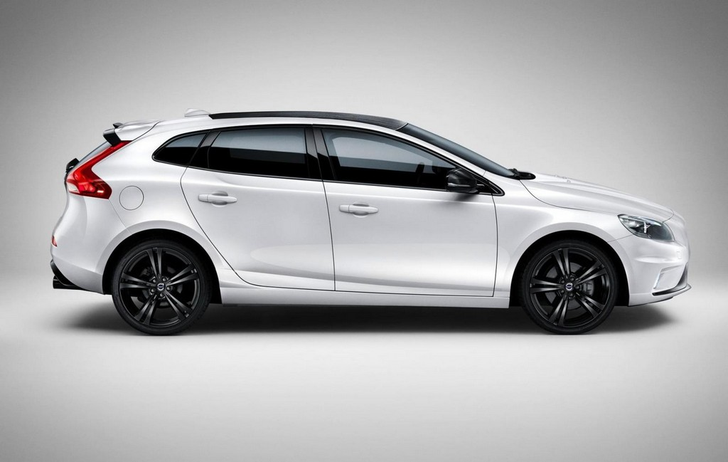 2016 volvo v40 carbon unveiled features and details. Black Bedroom Furniture Sets. Home Design Ideas