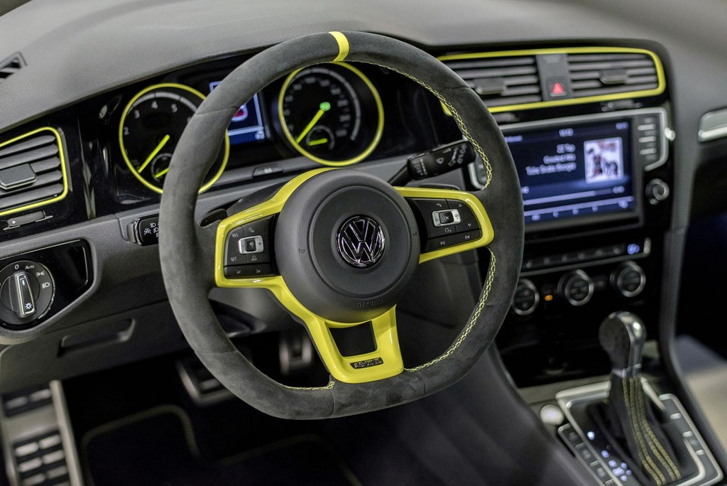 Volkswagen Golf GTI Dark Shine Concept Interior 1 2015 Volkswagen Golf GTI Dark Shine concept car unveiled