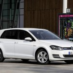 2016 Volkswagen Golf TSI BlueMotion (2)