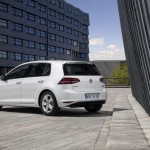 2016 Volkswagen Golf TSI BlueMotion (4)