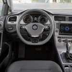 2016 Volkswagen Golf TSI BlueMotion (9)