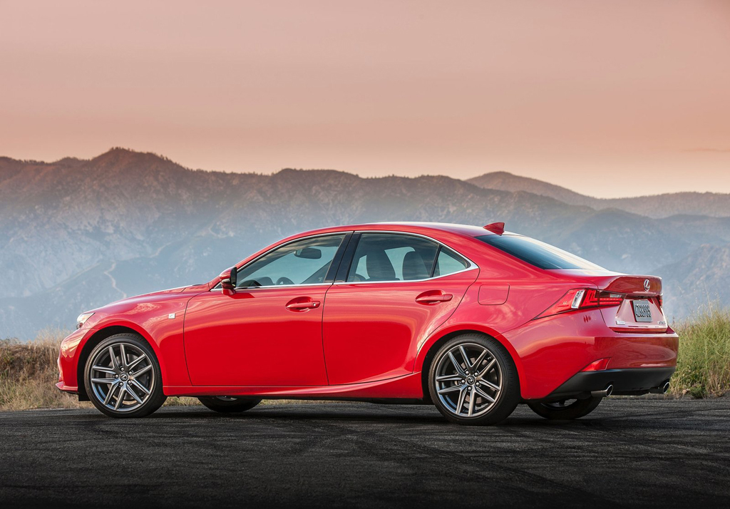 2016 Lexus IS F Sport US Version 5 2016 Lexus IS F Sport US Version : Features and details
