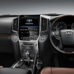 2016 Toyota Land Cruiser Interior (4)