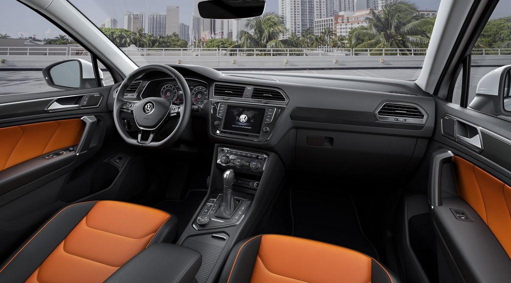 2016 Volkswagen Tiguan Interior 2 2016 Volkswagen Tiguan Features and Photos