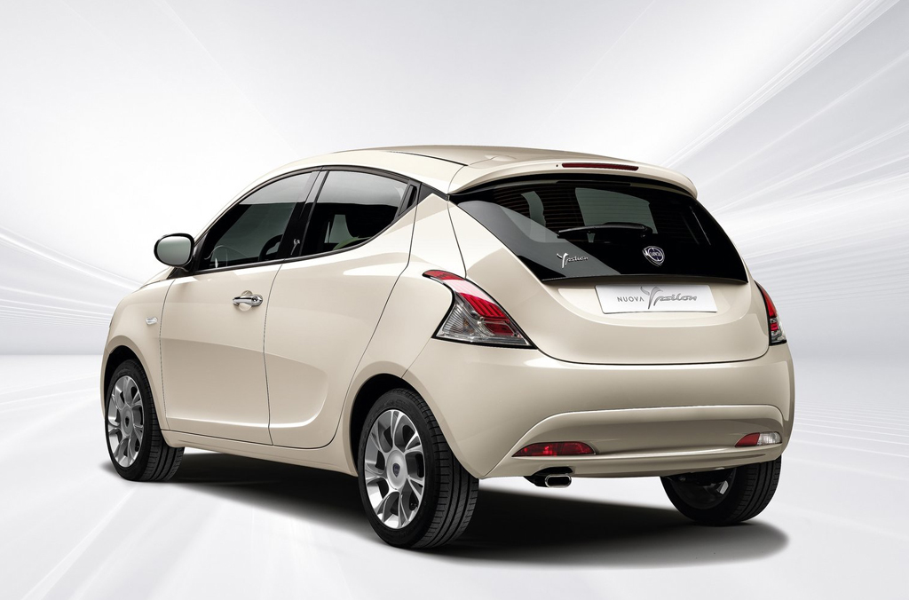 2016 Lancia Ypsilon 2 2016 Lancia Ypsilon Details and Images